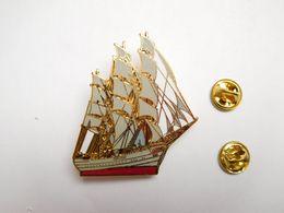 Superbe Big Pin's En EGF , Marine Bateau Voilier Trois Mâts , Dar Pomorza , Prinzess Eitel Friedrich , Signé JYS - Barcos