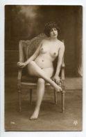 NU French Charm 136 Edit VB Série 176 Eune Fille  Nue Au Fauteuil Jambe Croisée    EROTISME - Fine Nudes (adults < 1960)