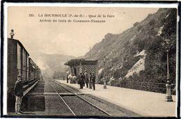LA BOURBOULE - QUAI DE LA GARE - ARRIVEE DU TRAIN DE CLERMONT FERRAND - CHEMIN DE FER - BEAU PLAN - La Bourboule