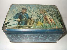 Biscuiterie Nantaise  (  B N )  :   Boite  Ancienne Avec  Le Facteur - Boxes