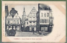 CPA Dos Précurseur - NORD - CAMBRAI - PLACE D'ARMES ET ÉGLISE SAINT GÉRY - Animation, Commerces, Publicités - F.A. /5058 - Cambrai