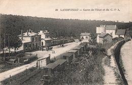 29 Landivisiau Gares De L' Etat Et Du CFA Gare Train Wagons Attelage - Landivisiau