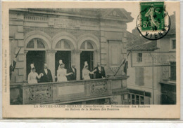79 - La Mothe Saint Héray : Présentation Des Rosières Au Balcon .... - La Mothe Saint Heray