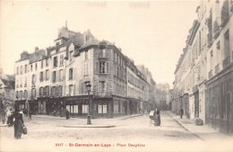 SAINT GERMAIN EN LAYE - Place Dauphine - St. Germain En Laye