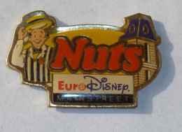 Pin's BARRE CHOCOLATEE, NUTS EURODISNEY MAIN STREET - Alimentation