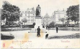 VERSAILLES : MONUMENT DU GENERAL HOCHE - Versailles