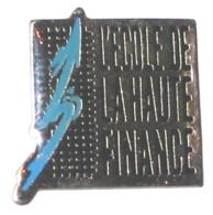 Pin's ECOLE DE LA HAUTE FINANCE - Banche
