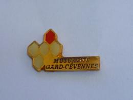 Pin's MUTUALITE GARD CEVENNES - Associations