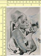 ELKE SOMMER  Autograph, Signed , Dedicace, ORIGINAL, Film Actors, Vintage Old Photo Card - Acteurs