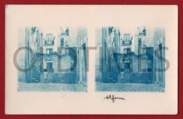 PORTUGAL - LISBOA - ALFAMA - PROMENOR DE UMA RUA - 1930 STERO REAL PHOTO PC - Cartes Stéréoscopiques