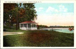 New York Seneca Falls Van Cleef Park And Bandstand - Adirondack