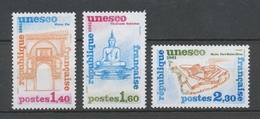 Service N°68-70 Série U.N.E.S.C.O.  3 Valeurs ZS68A - Neufs
