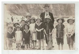 76 LE TREPORT #13525 GROUPE D ENFANTS SUR LA PLAGE CARTE PHOTO ARNAULT - Le Treport