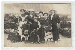 76 LE TREPORT #13526 GROUPE DE PERSONNES SUR LA PLAGE CARTE PHOTO ARNAULT - Le Treport