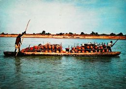 Tchad  Piroguiers Massas Sur Le Chari - Tchad