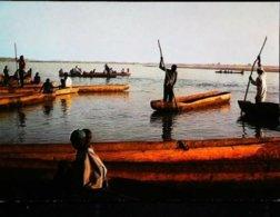 Tchad  Fort Lamy Pirogues Sur Le Chari - Tchad