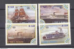 Portugal  -  S. Tome E Principe  :  Yv  810-13     **   Bateau - Boat - St. Thomas & Prince
