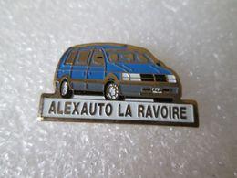 PIN'S    ALEXAUTO  LA  RAVOIRE  CHRYSLER  VOYAGER - Autres