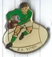 Rugby : ES Vitry Sur Seine (94) Joueur Ballon - Rugby