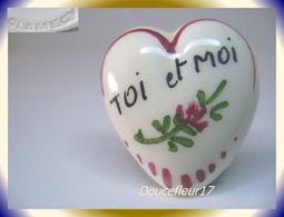 Clamecy ... Coeurs En Fête.. Toi Et Moi, Grand Modèle Blanc-Rouge ... Ref .AFF : 16-1994 - Anciennes