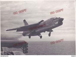 Au Plus Rapide Archive Pilote Aéronautique Navale Marine Nationale France Porte-avions Avion Décollage Beau Format - War, Military