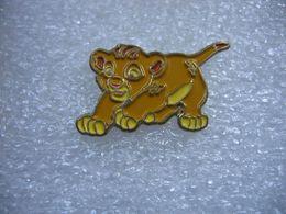 Pin's BD Simba - Disney