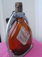 Bouteille Vide Armagnac Ducastaing Avec Support - Spirituosen
