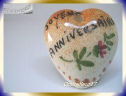 Clamecy ... Coeurs En Fête Pendentif.. Joyeux Anniversaire, Grand Modèle Marron ... Ref .AFF : 1994 - Anciennes