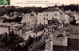 S26-027 La Ferté Sous Jouarre - Passage De La Calvalcade Du Cirque Pinder Sur Le Pont Des Pelletiers - La Ferte Sous Jouarre