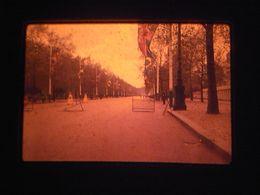 1 Slide - Mb18 - City Landscape Chruch - Diapositives