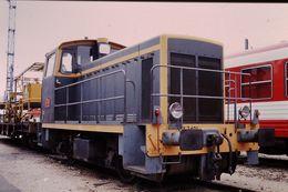 Photo Diapo Diapositive Train Wagon Locomotive Locotracteur SNCF Y 7401 à La Villette Le 24/06/96 VOIR ZOOM - Diapositives