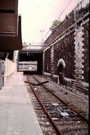 Photo Diapo Diapositive Train Wagon Locomotive Traverses En Croix Gare De PONT CARDINET Le 28/06/96 VOIR ZOOM - Diapositives