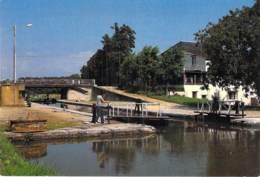 45 - AMILLY L'Ecluse Sur Le Canal De Briar CPSM CPM Grand Format - Loiret ( Lock Sluice Sperren Slot Bloccare Bloquear ) - Amilly