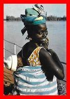 2 CPSM/gf  GAMBIE.(Afrique Occidentale) Femme Mandingue / Village De Pêcheurs...D381 - Gambia