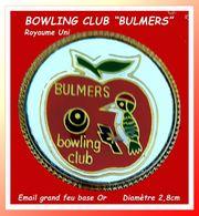 """SUPER PIN'S BOWLING - POMME : Visuel Oiseau Et Pomme Pour Le BOWLING CLUB """"BALMERS"""" Au Royaume-Uni, Diamètre 2,8cm - Bowling"""