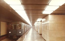 UNDERGROUND * SUBWAY * RAIL * RAILWAY * RAILROAD * TRAIN * ESCALATOR * STATION * BKV * BUDAPEST * Metro 1-8 * Hungary - Métro