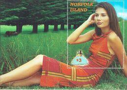 NORFOLK ISLAND Woman Sheetlet MUH - Norfolk Island