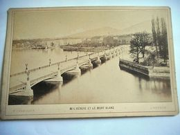 PHOTO GRAND CDV GENEVE ET LE MONT BLANC  SUISSE Phot F CHARNAUX A GENEVE - Ancianas (antes De 1900)