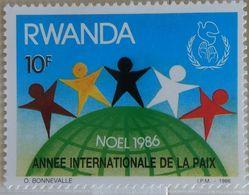 030. RWANDA (10F) 1986 STAMP INTERNATIONAL YEAR OF PEACE  .MNH - 1980-89: Neufs