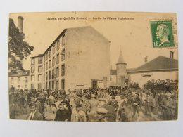 CPA LOIRET VESINES PAR CHALETTE SORTIE DE L USINE HUTCHINSON TRES ANIMEE 865 - Autres Communes
