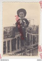 Au Plus Rapide Trouville Carnaval 1952 Enfant Déguisement Beau Format - Places