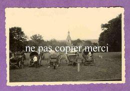 MAIZIERES LES JOINVILLE - Soldats Allemands Dans La Cour Du Chateau Avec Vue Sur L' église - TRES RARE - France