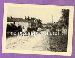 MAIZIERES LES JOINVILLE - Entrée De La Rue Du Haut Pré - Soldats Allemands S'occupant Des Chevaux - TRES RARE - France