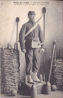 VIL20- PARIS  MUSEE DE L'ARMEE SALLE DES UNIFORMES  CANONNIER  A PIED ET AGRES DE SIEGE 1870 - Uniforms