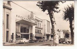 24 - Bergerac - Place Des Carmes - Cinéma Cyrano - Peugeot 403 - Le Tortoni - Le Club - Bergerac