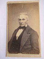 CDV  USA - Portrait Vieil Homme - Coiffure à Voir - Circa 1865 - Photo Graves, Lockport, N.Y - BE - Foto