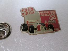 PIN'S   MARLBORO  32 Eme   GRAND PRIX  NOGARO FORMULE 3000 Circuit Paul Armagnac  Gers - F1