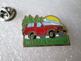 PIN'S     NISSAN  PATROL   VAL  D ISERE  91 - Pin's & Anstecknadeln
