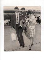 SORMANI CON CONSORTE E FIGLI APPENA ARRIVATO ALL' AEROPORTO DI MILANO 1966 - FOTO ORIGINALE - Sports
