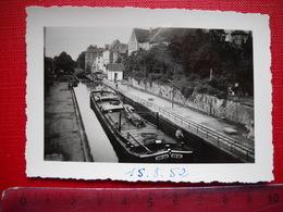 Saverne . Photo Originale D' Une Péniche écluse . De 1952 . - Boats